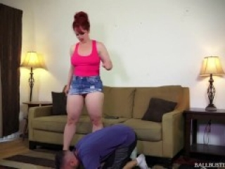 Ballbusting beautiful mistress