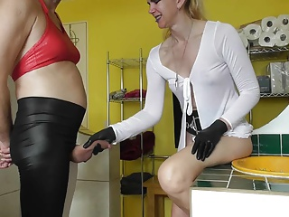 sadobitch - ballbusting bathroom cum