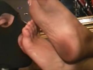 mistress elise foot slave