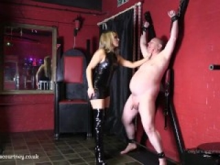 mistress ballbusting a newbie