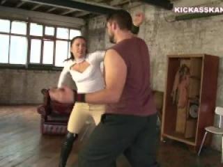 girl fight ballbust
