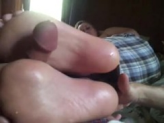 Teen footjob in the phone