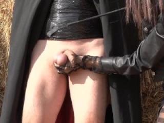 Comic Maria Piras & her ballbusting slave Heretic