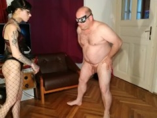 Sexy goth domina do painful ballbusting her fat mazo slave